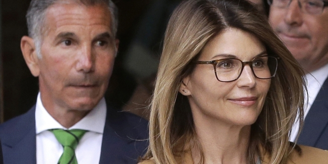 lori-loughlin,-mossimo-giannulli-ask-court-for-travel-permission-to-mexico