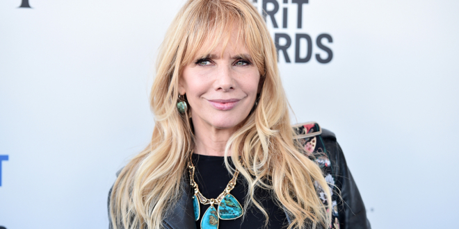 rosanna-arquette-says-she'll-kneel-for-the-national-anthem-for-'the-rest'-of-her-life