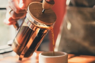 how-to-use-a-french-press-coffee-maker,-according-to-experts