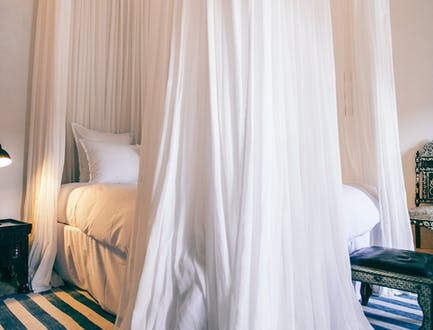 8-luxury-linens-that'll-make-your-bedroom-feel-like-a-hotel